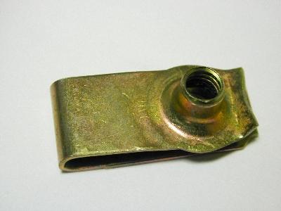 B3479 - Metal clip - Pack 10 - 6mm long speed nut