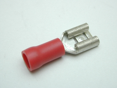 B616 - Electrical Terminal (Pack 50) Red spade female