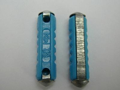 B772  Fuse ceramic Pack 30 25AMP Blue