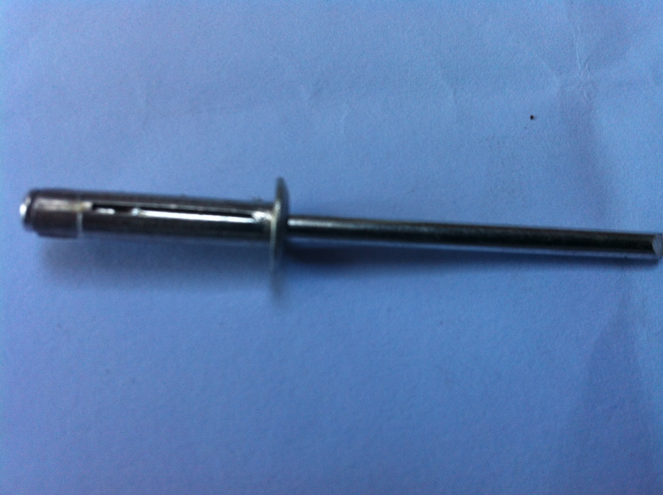 ADNS5-4/20 peel rivet pack of 20