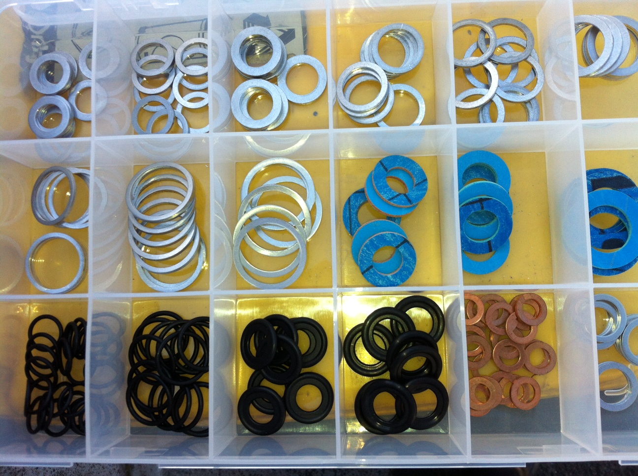 B1164 Kit - 18 different sizes of sump washers includes Aluminium fibre and rubber sumps